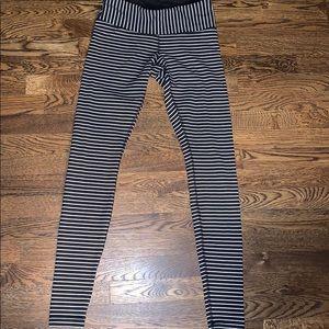 Lululemon Black/White Stripe Leggings SZ: 6